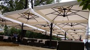 Большие уличные зонты для кафе,  бара,  ресторана